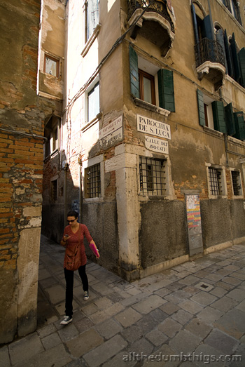 It is easy to tell the Venetians from the tourists because they walk quickly and always seem to be on the phone